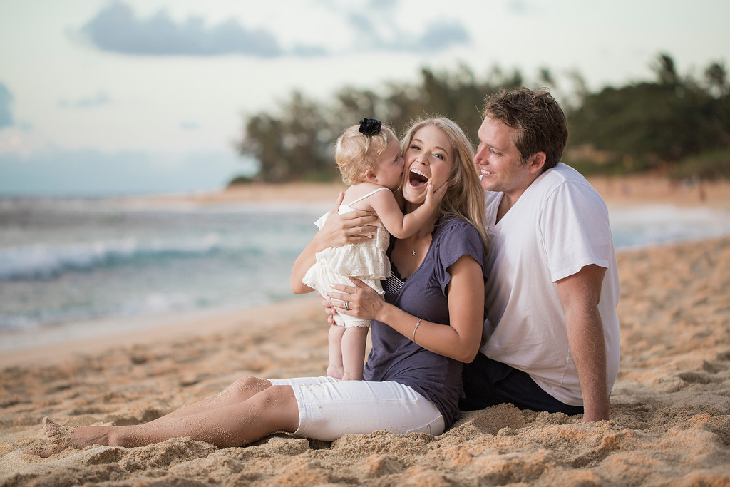 Discount Family Portrait day at sunset beach, Oahu, Hawaii