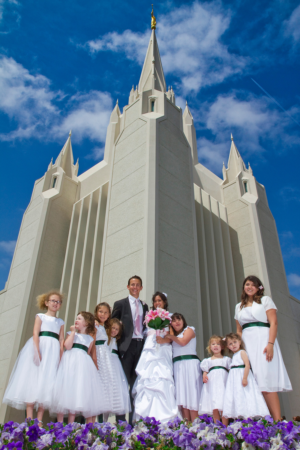 Wedding group at San Diego Temple